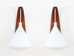 Mid-Century  modern pair of wall lamp in teak and opal