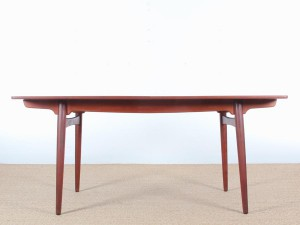 Extending dining table by Hans Wegner AT-310 in teck