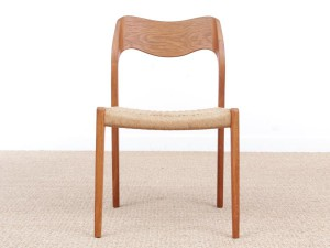 Mid-Century Modern danish pair of chairs in oak model 71 by Niels O. Møller