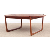 Mid-Century  modern scandinavian coffee table in solid teak by Peter Hvidt