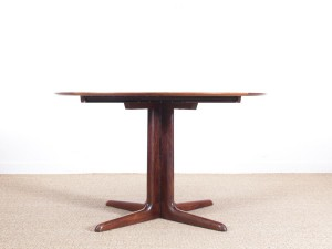 Mid-Century  modern scandinavian round dining table in Rio rosewood 6/10 seat