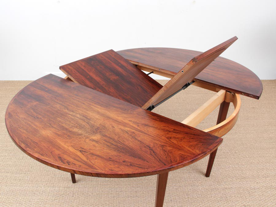 Mid Century Modern Scandinavian Round Dining Table In Rio