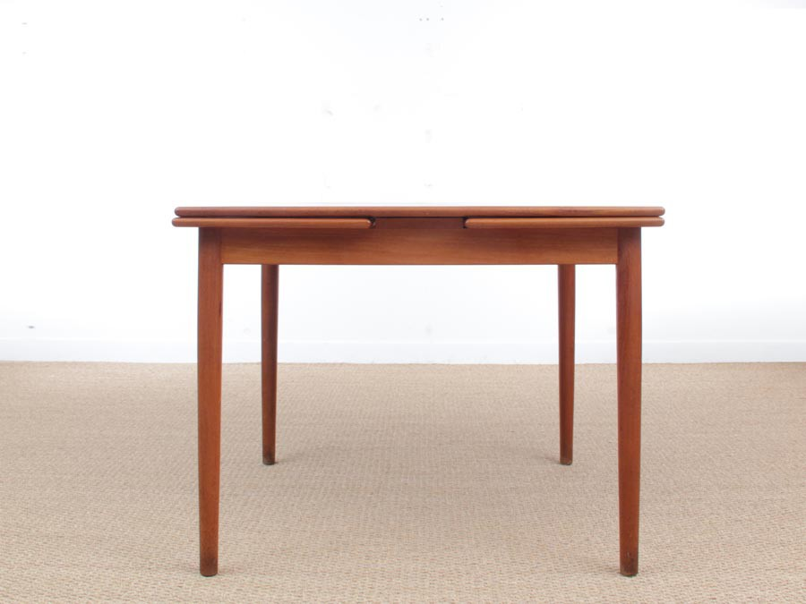 Mid Century Modern Scandinavian Square Dining Table 4 6 Seats Galerie Mobler