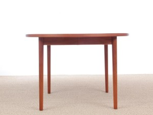 Mid-Century modern scandinavian round dining table in teak 4/8 seats by Nils Jonsson