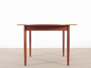 Mid-Century  modern scandinavian round dining table in teak, 4/10 seats