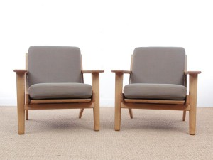 Mid century modern armchair model GE 290 by Hans Wegner for Getama. New release.