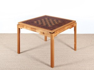 Mid-Century  modern scandinavian square game table by Gorm Lindum et Rolf Middelboe.