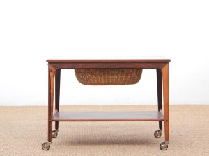 Mid-Century  modern scandinavian side table in Rio rosewwod by Johannes Andersen