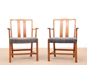 Mid-Century  modern scandinavian pair of armchairs by Ole Wancher