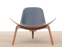 Mid-Century  modern scandinavian easychair model CH 07 or Shell Chair by Hans Wegner. New edition.