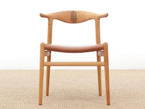 Mid-Century  modern scandinavian chair model Cow Horn PP 505 by Hans Wegner. New production.