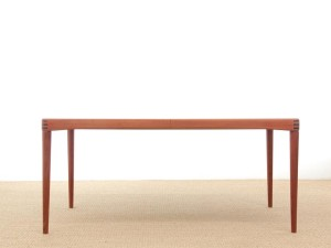 Mid-Century Modern danish extendable dining table in teak by H.W. Klein for Bramin, 6/8 seats.
