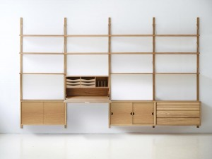Mid modern scandinavian shelving system in oak, model Royal System by Poul Cadovius, new edition.