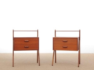 Mid-Century  modern scandinavian pair of bed tables in teak