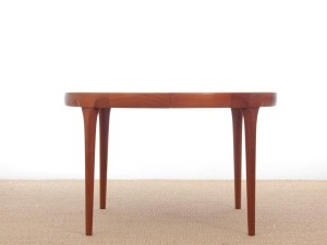 Circle dining table in rosewood, 4/10 seats