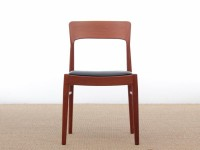 Mid-Century  modern scandinavian set of 8 rosewood chairs model 26 by Henning Kjærnulf.