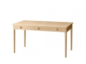 Mid-Century Modern PP305 table  by Hans Wegner. New product.