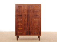 Mid-Century  modern  Scandinavian chest of drawers in Rio rosewood. 7 drawers