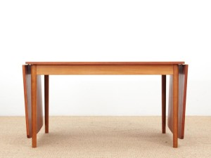 Mid-Century  modern  Scandinavian dining table with drop leaves