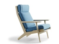 GE 290A lounge chair by Hans Wegner. New edition