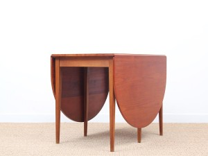 Mid-Century Modern Scandinavian dining table flap table in teak and oak for 2-6 seats