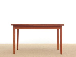 Mid-Century Modern Scandinavian dining table in teak 4/8 seats