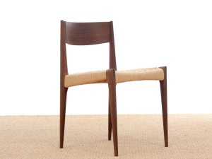 Mid-Century  modern scandinavian Pia chair by poul Cadovius. New edition.